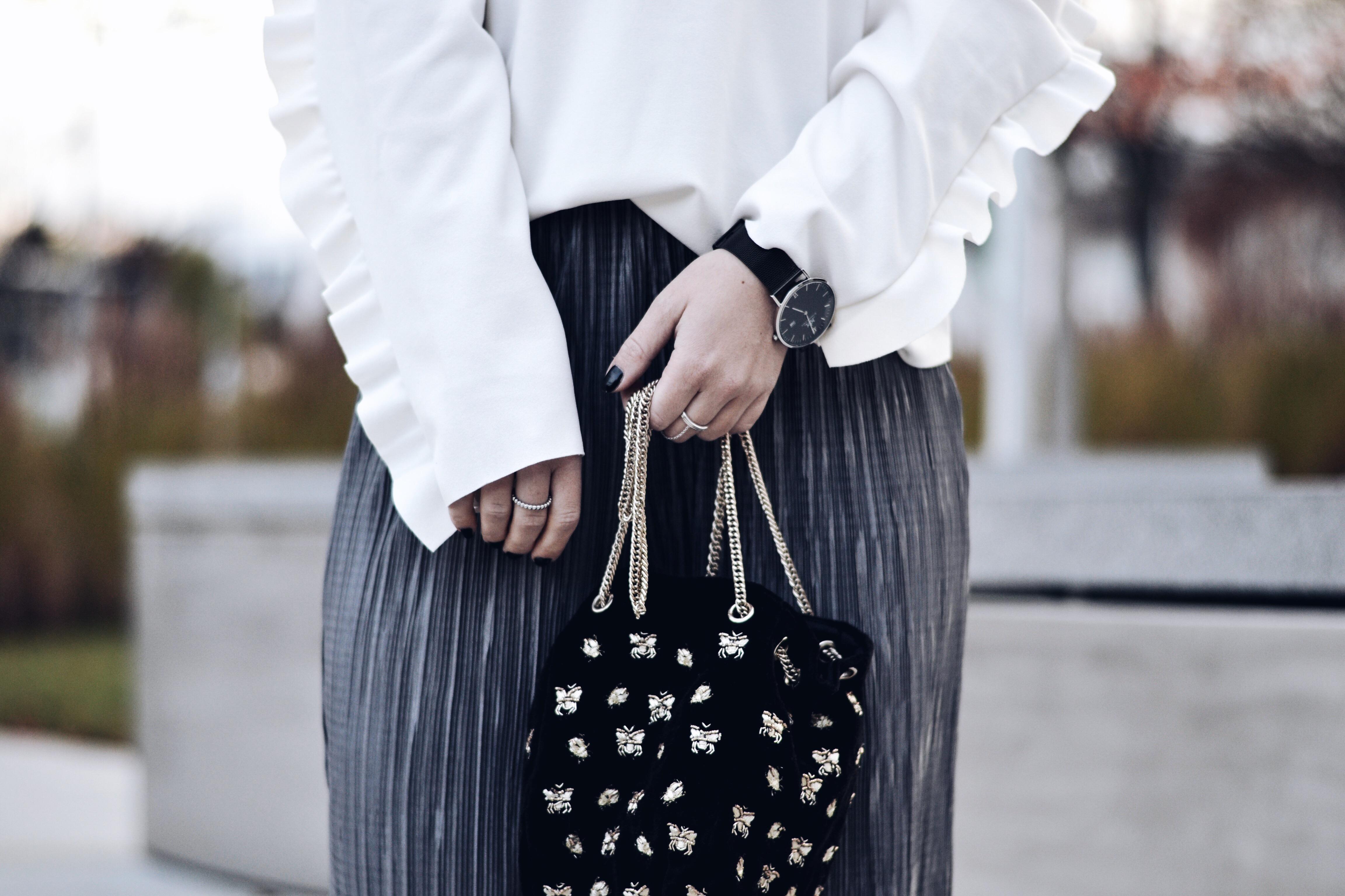 allthatchoices by laura fashionblog mainz fashionblogger plissehose rüschen oberteil zara longbob bucket bag