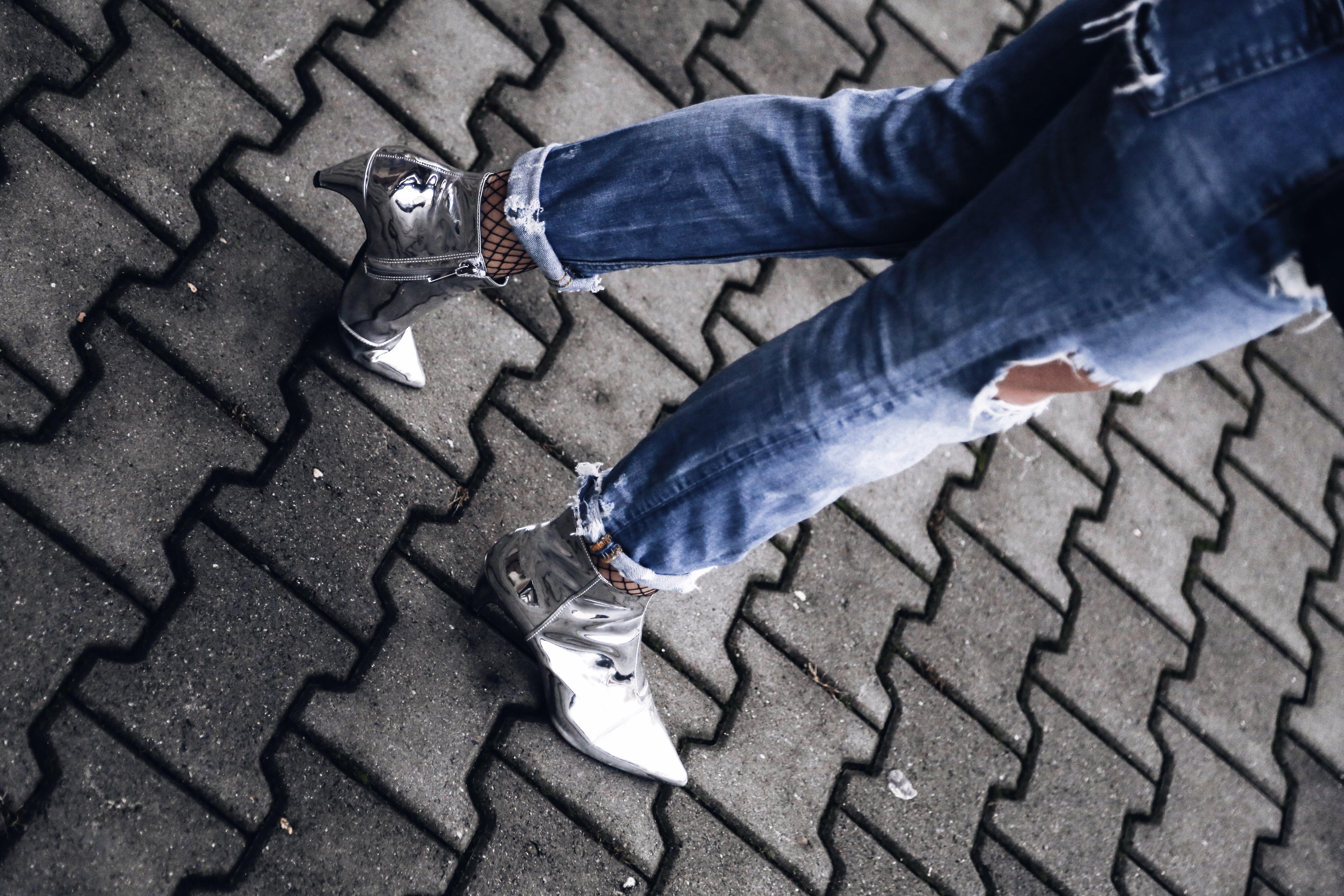 allthatchoices by laura fashionblog mainz floral bomber destroyed denim metallic boots netzstrümpfe trompetenärmel
