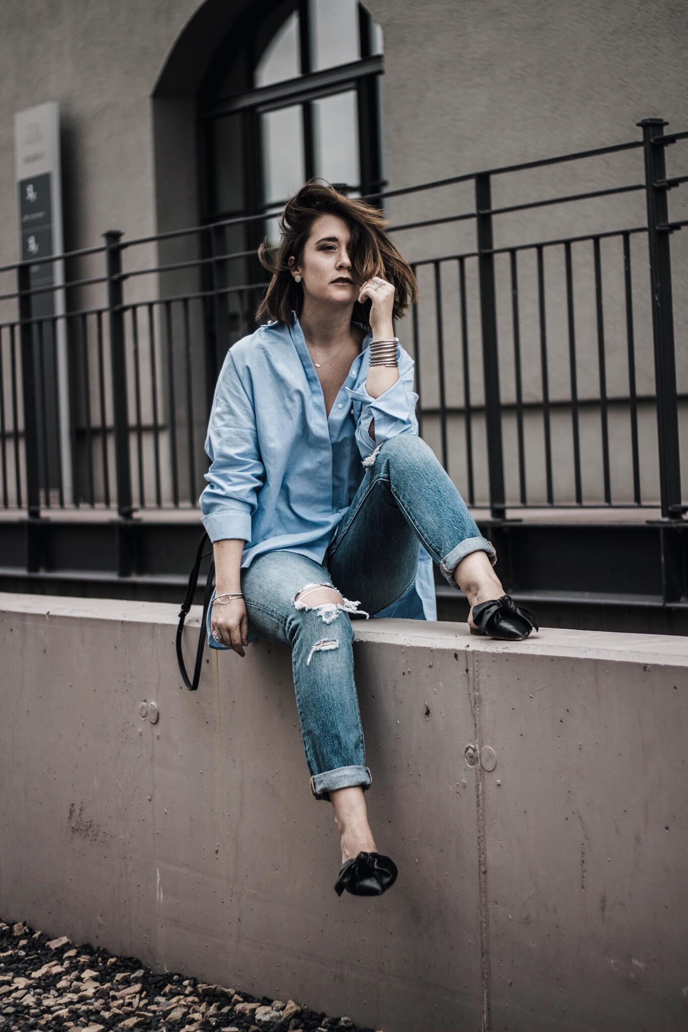 allthatchoices by laura fashionblog mainz blog frankfurt leo mathild oversize bluse perlen stickerei levis 501 skinny mules slippers