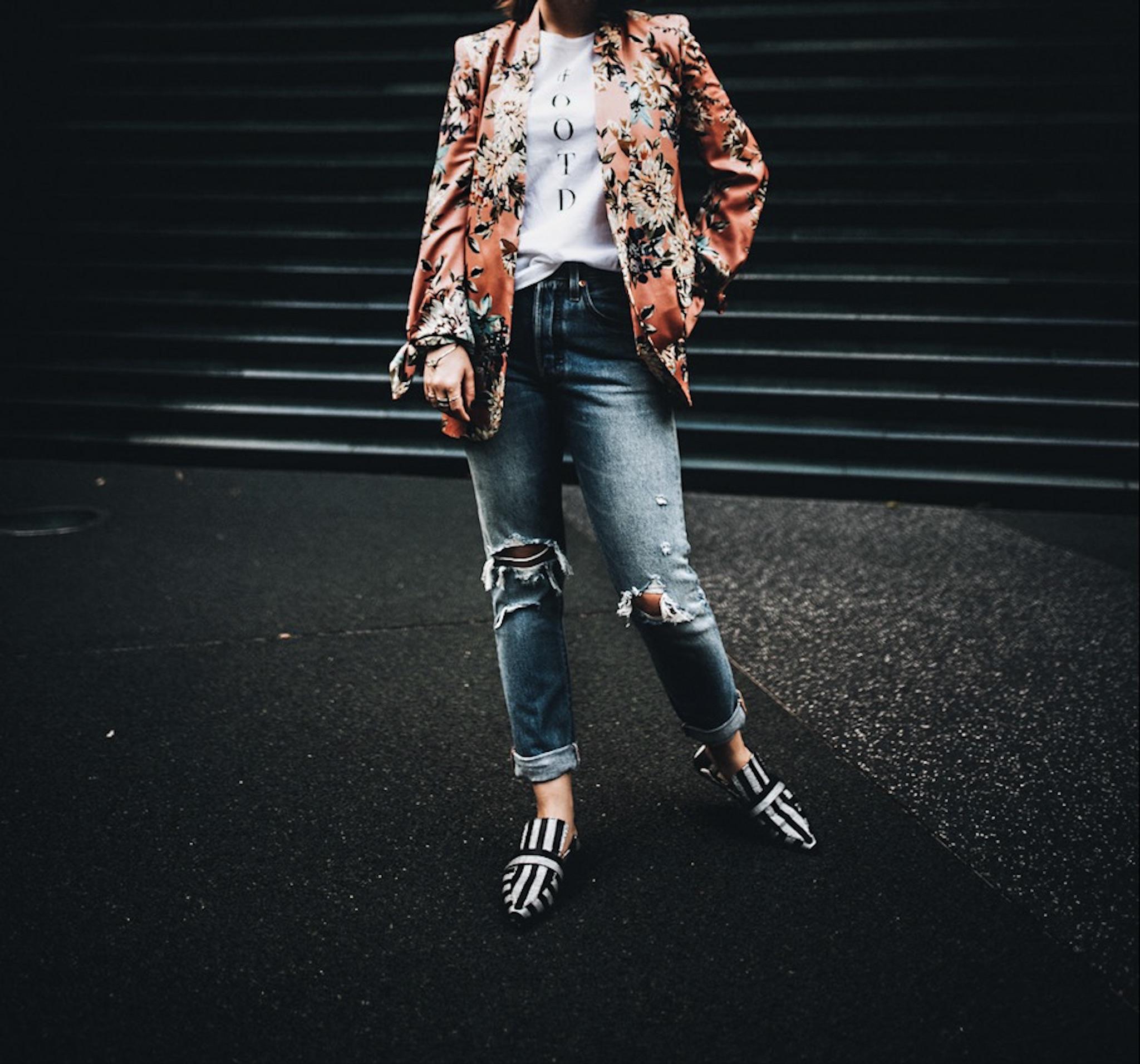allthatchoices by laura fashionblog mainz frankfurt zara slipper levis 501s ootd flowerprint blazer 17