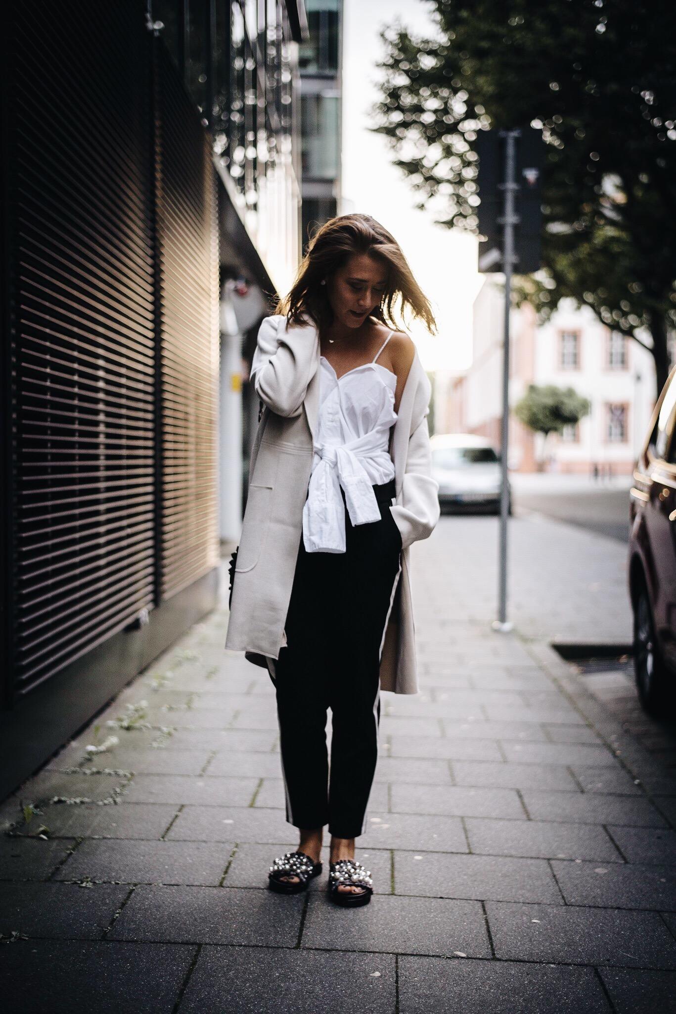 allthatchoices by laura fashionblog mainz frankfurt bloggerleben bloggerklischees offshoulder bluse athleisure zara perlenslipper