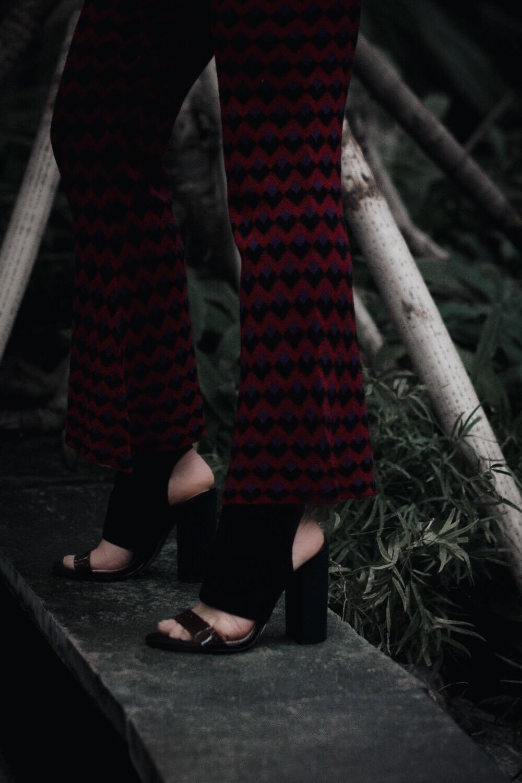 allthatchoices by laura fashionblog fashionblogger mainz frankfurt rot stehkragen blazer sockshoes strick flare allthatchoices by laura fashionblog fashionblogger mainz frankfurt rot stehkragen blazer sockshoes strick flare