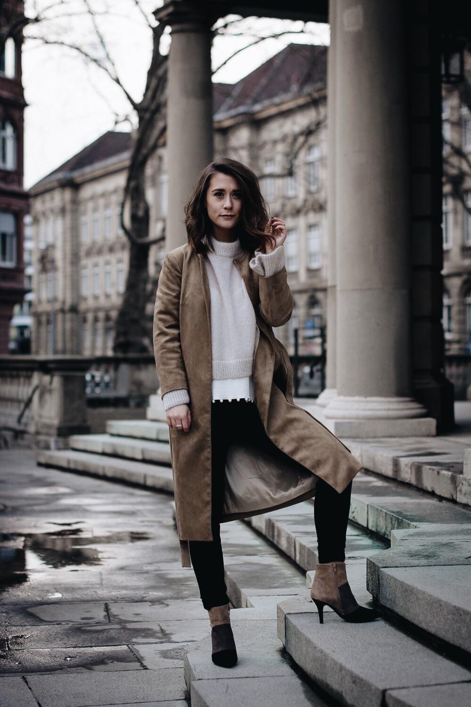 allthatchoices fashionblog mainz frankfurt blogger Suede Mantel Perlendetails